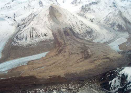 Landslide triggered by the 2002 Denali quake in Alaska